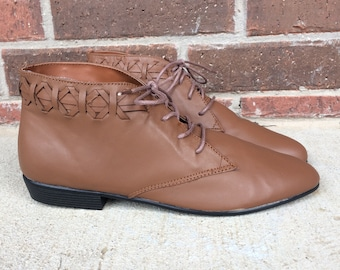 vtg 80s Brown WOVEN leather ANKLE BOOTS 7.5 lace up booties flats oxfords brogues pixie grunge shoes