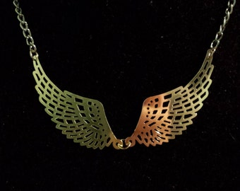 Metal Wing Pendant Necklace