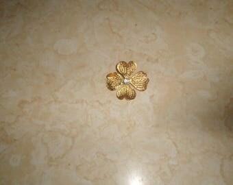 vintage pin brooch goldtone dogwood flower rhinestones