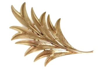 Leaves Feather Brooch Trifari Demi Parure Vintage Brushed Gold Tone Smooth Finish on Edges  Gift for Her Gift for Mom
