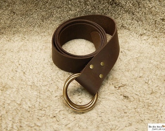 Medieval leather belt with double brass O ring. Black or brown, reenactment, larp, sca
