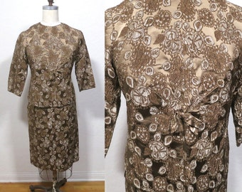 Vintage Women's  1950s 1960s Taupe Brown Brocade Wiggle Suit. Skirt with Matching Top Shirt Coat Jacket.  2 Piece Suit. Pinup