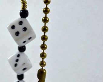 Lucky Dice Pull Chain in White