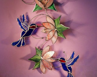 Stained Glass Hummingbirds with Flowers   (794)