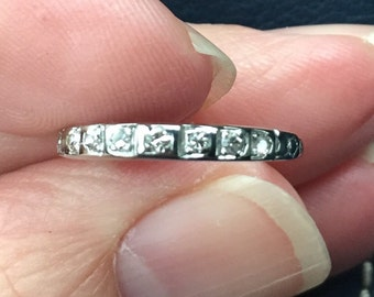 Art Deco beautiful 18kt wedding band