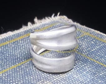 Simple Silver Plated Spoon Ring - Wm Rogers MFG Co - Silver Plated Grapefruit Spoon - Vintage Spoon Ring - Silver Plated Spoon - Grooved