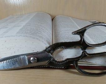 Vintage Black Handled Scissors