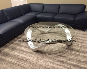 Free Wave Sculpture Table
