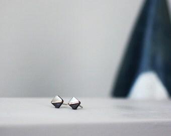 Light/Dark Square Stud Earrings