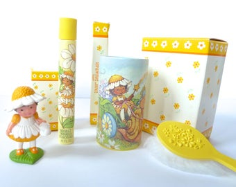 Vintage Avon Daisy Dreamer Set Secret Wishes Cologne, Talc with Puff and Mini Doll