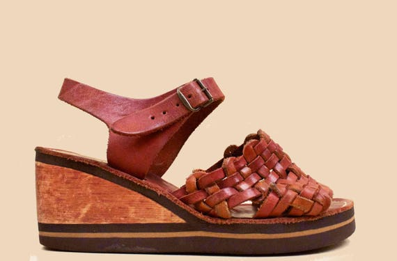 70s Vtg Whiskey Brown WOVEN Genuine Leather & Wood  Platform Wedge Sandals / Hippie Boho Stitch Bonded Made in California! 5 Eu 35