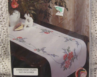 """Tobin Dresser Scarf Stamped for Embroidery Kit Wild Rose  14"""" by 39"""" style no. 310/23 new unopened"""