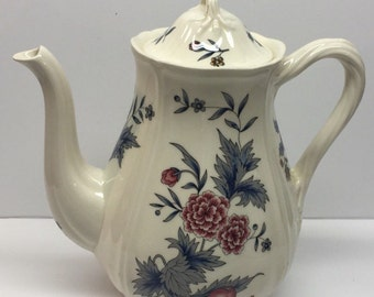 Vintage Wedgwood Williamsburg Potpourri by Wedgwood  Etruria Barlaston Pattern 1972 5 cup coffee pot with lid
