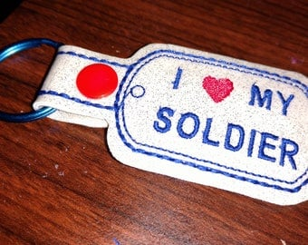 I (heart) my soldier Key ring