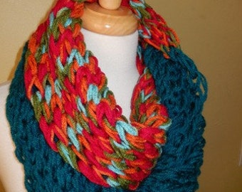 Womens Scarf Hand Knitted Scarf Cowl Winter Fashion Accessories Women Infinity Scarf Circle Scarf in Teal and Multicolor