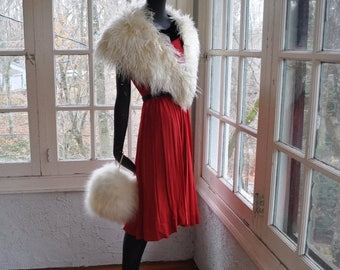 NEW YEARS SALE Creamy White Curly Shaggy Fur Stole/Vintage 1960s/Mongolian Lamb Fur Stole/With White Fur Muff