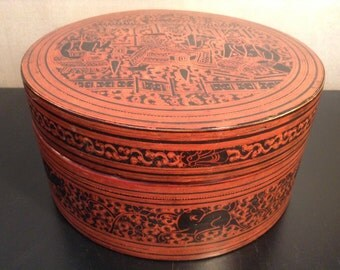 Vintage Burmese lacquered nesting box lacquered food container
