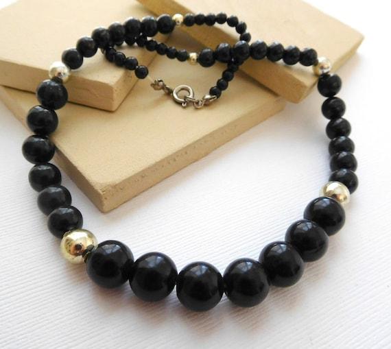 Vintage Lightweight Black & Silver Tone Graduated Bead Choker Necklace A19
