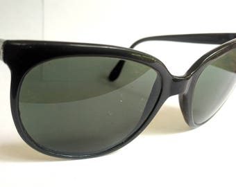 Vintage Ray Ban Sunglasses Black Small Womans
