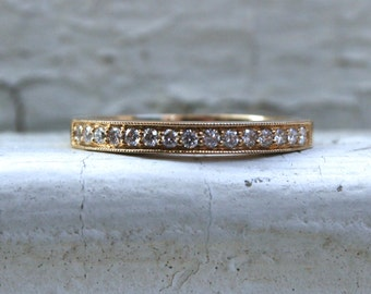 Stunning Vintage 14K Yellow Gold Pave Diamond Wedding Band - 0.30ct.