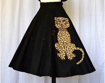 1950s Felt Skirt Leopard Applique Novelty Print Medium
