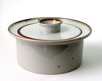 DANSK Casserol Brown Mist Stoneware 9in Covered 2 Qt Pot Inset Lid Handle Off White Rust Brown Niels Refsgaard Design Modern Made In Denmark