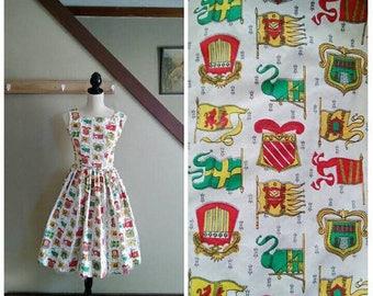 20% OFF / Je Suis Prest 1950s Red/White/Green/Yellow Coat of Arms/Flag Novelty Print Dress