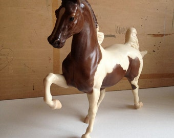 Breyer Tobiano Horse with box