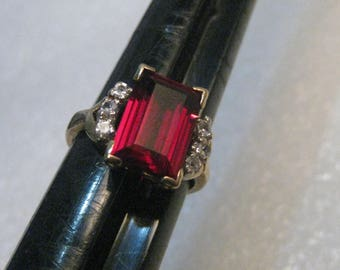 10kt Lab Created Emerald Cut Ruby & Clear Spinel Ring, Sz. 5, 4 ctw, 3.96 grams, signed L
