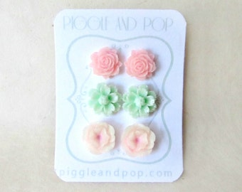 Pink and Mint Flower Earring Gift Set. Cute Flower Stud Earrings with Hypoallergenic Posts. Mint Daisy Earrings. Pink Rose Studs.
