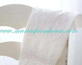 Vintage Embroidered with Crochet Edge 100% Cotton Linen Tea Towel, Kitchen Decor, Housewarming Gift Inspiration