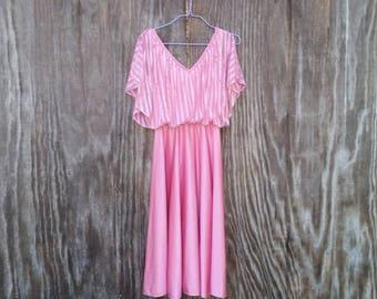 Beautiful Shiny Pink Vintage Dress - Size small