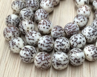 Natural Salwag Nut Beads, White, 8mm Round - 15.5 inch Strand - eS908-8