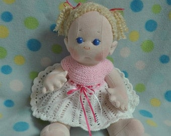 """Fretta's Original Peanut Baby Doll. 16"""" / 40.5 cm. Soft Sculpted Jointed Baby, Child Safe Cloth Doll"""