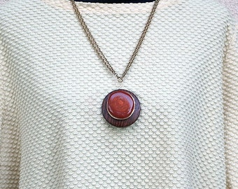 Wooden Pendant with Red Jasper and Gold Wire (1)