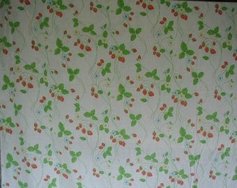 Vintage Queen Bed Sheet, 1 Flat Sheet, Trailing Strawberry Print, Cottage Chic, Shabby Cottage,