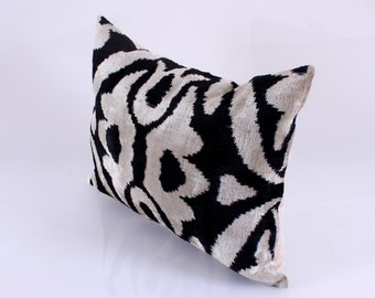 ikat velvet pillow, ikat pillow, home decor, silk pillow, hand-woven ikat, uzbek ikat textile, ikat, pillow for sofa