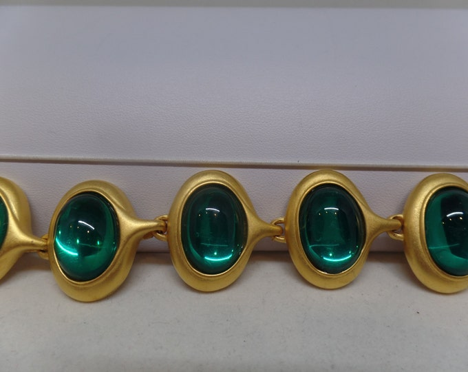 Gorgeous Vintage Green Cabochon Toggle Bracelet