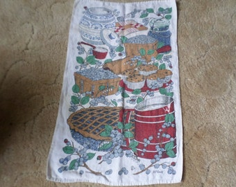 Vintage EP Gould Design-Blueberry Pie/Muffins/Baking/Kitchen Linen Tea Towel-Berry/Leaves