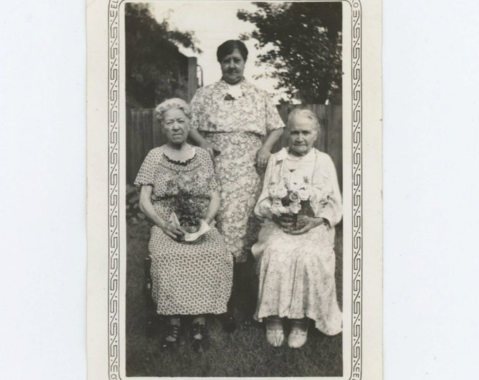 Vintage Snapshot Photo: Three Women, c1930s (611515)
