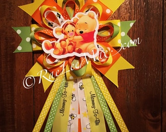Baby Winnie the Pooh & Tigger mommy to be Corsage/Winnie the Pooh Baby Shower/Mommy-To-Be Pin/Baby Winnie the Pooh and friends Theme party
