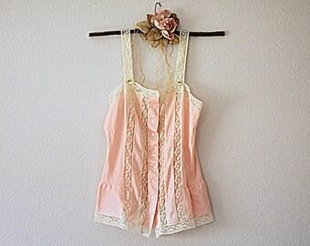 Vintage Lingerie Peach Cream Size XS Nylon Lace Camisole Top Women's Junior's Button Front Cami