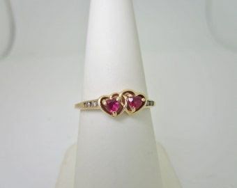 Inseparable Love! 10K Solid Gold .40 ctw ENTWINED RUBY HEART Ring Size 7 R1341