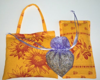 lavender sachets.Lavender gift.Set of 3 sachets.fabric from Provence, France.French lavender.Gift for her ,  olives and sunflowers