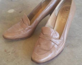 1960s Leather Pumps Size 9