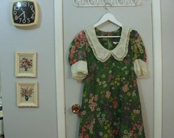 1960s garden flower print with peter pan collar dress