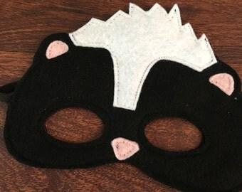 Skunk Felt Mask