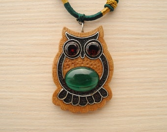 Wooden inlaid owl pendant with malachite
