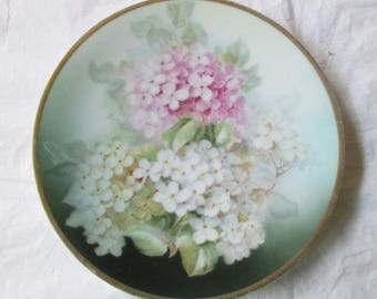 """7-5/8"""" Thomas Sevres Bavaria Hand Painted Plate LILACs, Signed Harris, Gold Trim (c. 1930)"""
