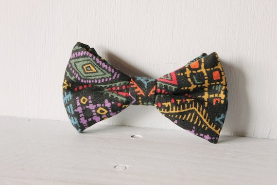 Dog bow tie >> Electric black patterned bow with elastic >> Pet gift